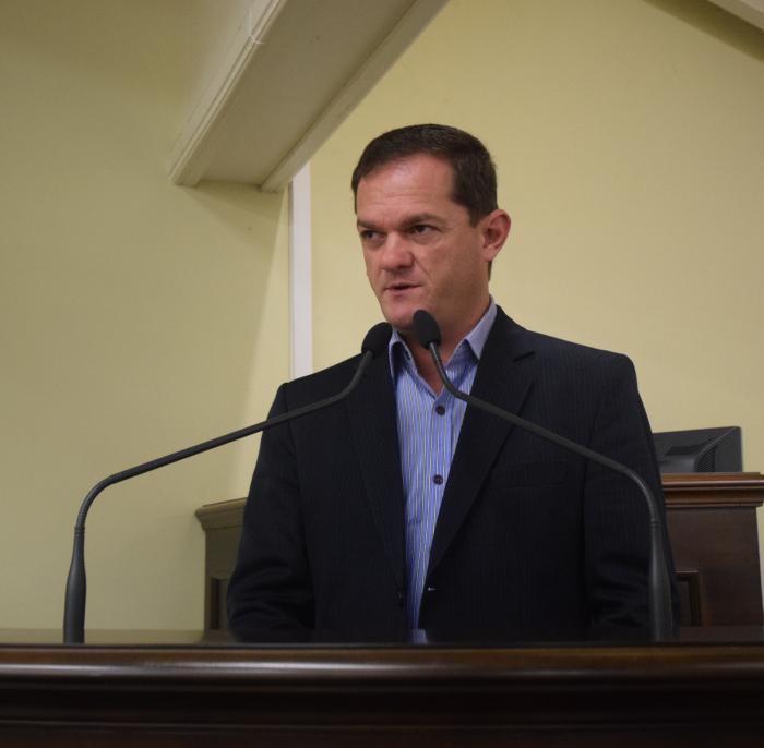 Rafael solicita informações à Prefeitura sobre cirurgias