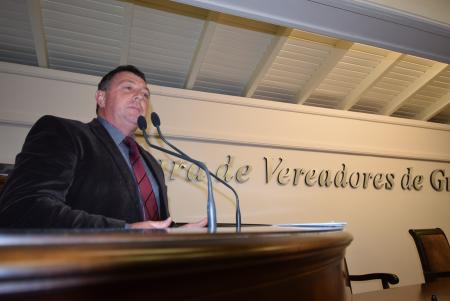Erni solicita redutor de velocidade na Escola da Serra Grande