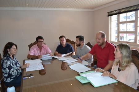 Comissões emitem pareceres de projetos
