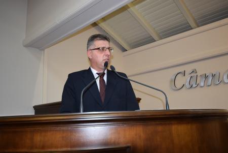 Michaelsen pede iluminação pública na Tristão de Oliveira